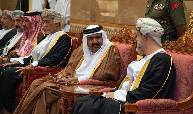 Photo of Father Emir of Qatar Visit Oman to Offer Condolences to Sultan of Oman