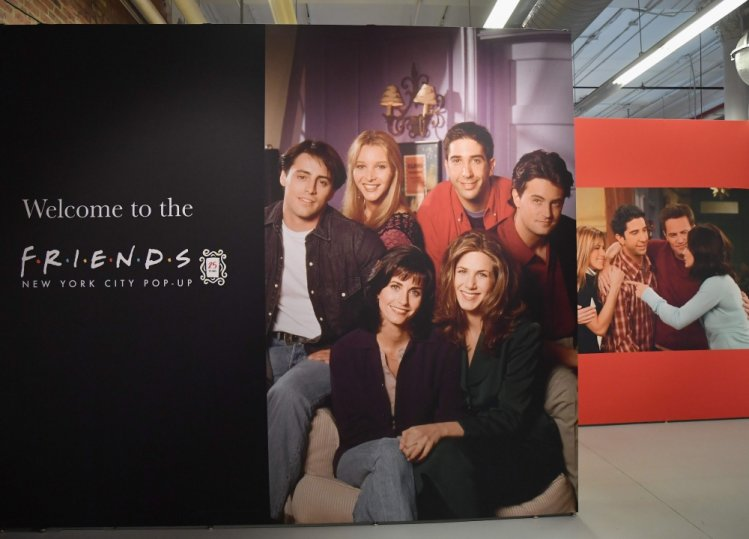 Photo of Cast of Friends to Reunite in Special Episode