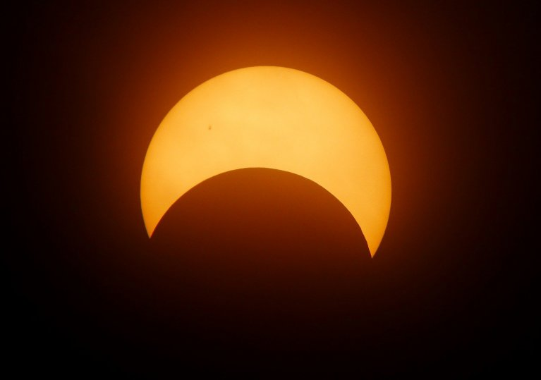 Photo of Qatar To Witness Lunar And Solar Eclipse In June 2020